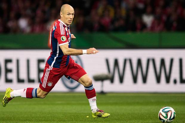 Arjen Robben running