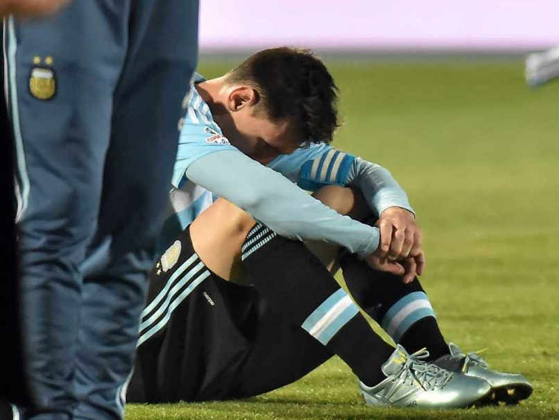 Frustration of Messi after losing in Copa America 2015 Final