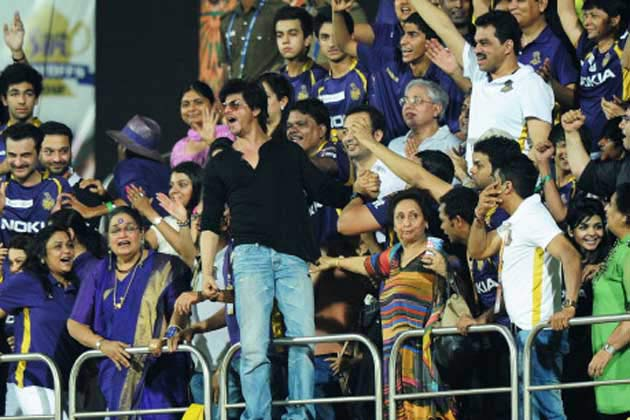 Shahrukh Khan inspiring his team KKR
