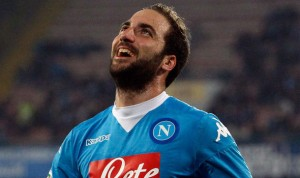 Juventus is closing Gonzalo Higuain transfer from Napoli