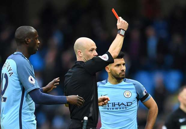 Aguero red card
