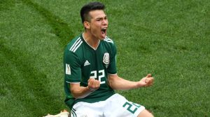 Barcelona hoping to draft Mexico winger Hirving Lozano
